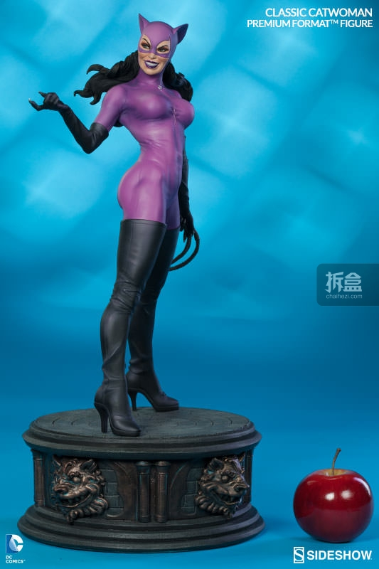 sideshow-Classic Catwoman-PF-figure (4)