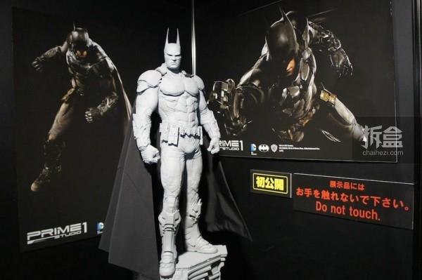 《蝙蝠侠:阿甘骑士》1/3 蝙蝠侠全身像