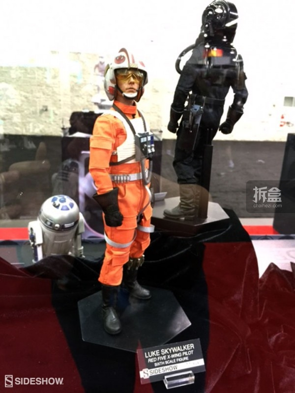 Sideshow Star Wars Celebration 2015 Booth (14)