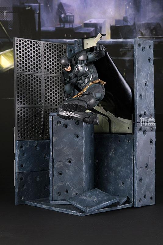 kotobukiya-Arkham Knight-artfx-batman (1)