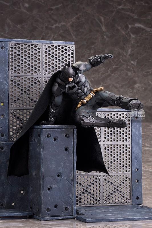 kotobukiya-Arkham Knight-artfx-batman (20)