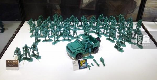 会场限定复古绿吉普车+复古绿兵
