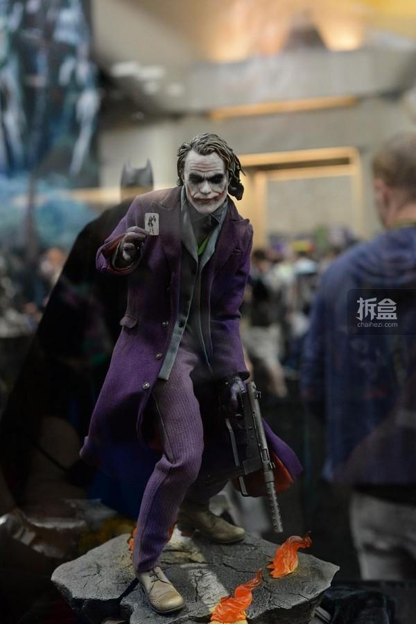 新品:Sideshow《蝙蝠侠:黑暗骑士》小丑 PF系列雕像