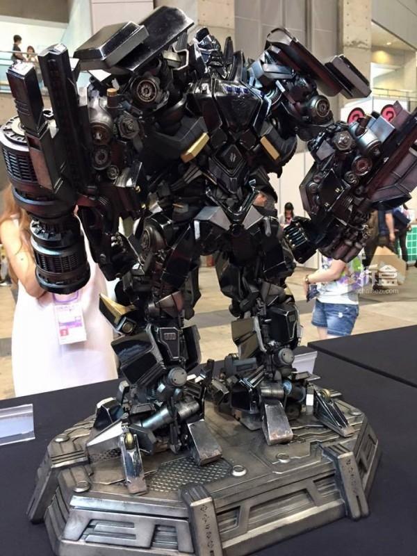 P1S-ironhide-statue-news-002