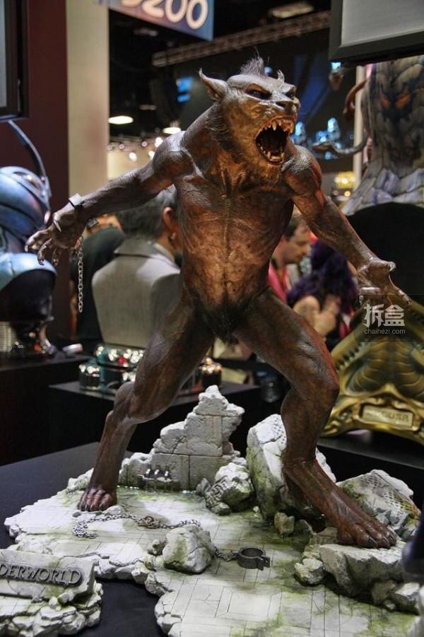 SDCC-ECC-underworld-lycan-statue-013