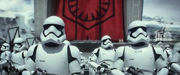 ht-starwars-First Order-stormtrooper (1)
