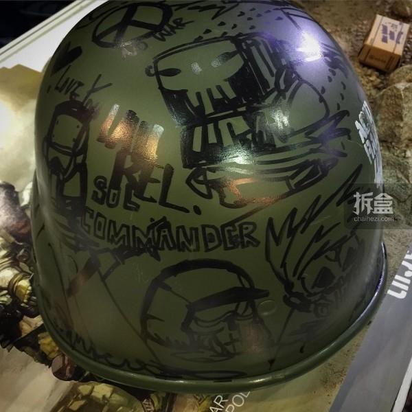 Kit Lau签名头盔