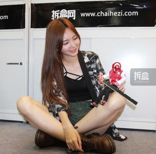 cicf-2015-chaihe-booth-showgirl10