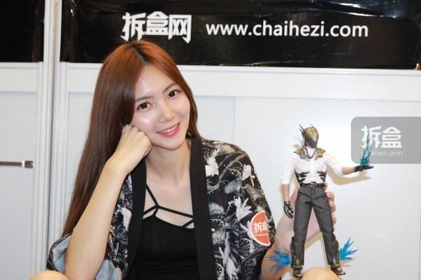 cicf-2015-chaihe-booth-showgirl11