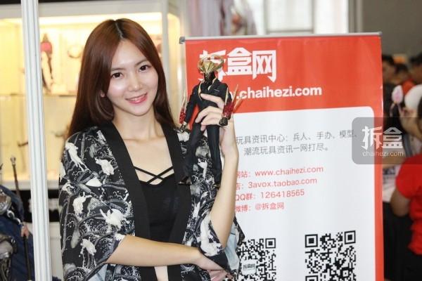 cicf-2015-chaihe-booth-showgirl7