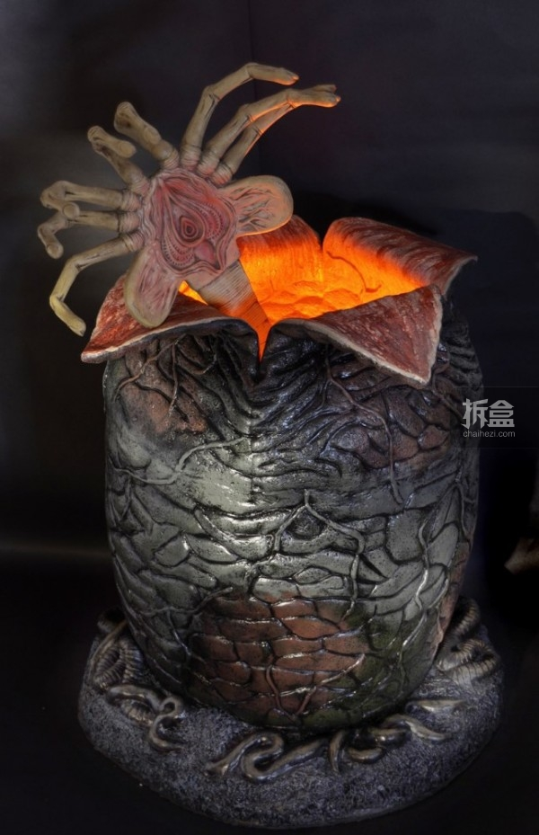 NECA-Alien-Egg-and-Facehugger-Replica-004