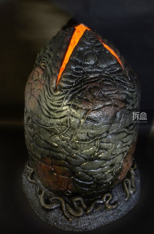 NECA-Alien-Egg-and-Facehugger-Replica-006