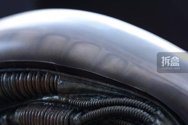 ht-big-chap-alien-bernd-15