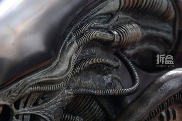 ht-big-chap-alien-bernd-2