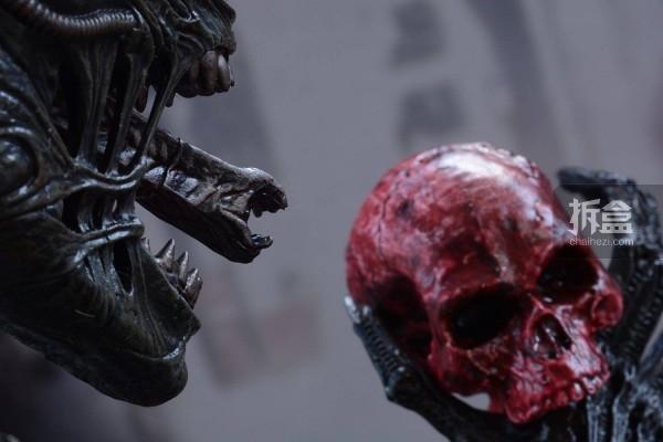 ht-big-chap-alien-bernd-21