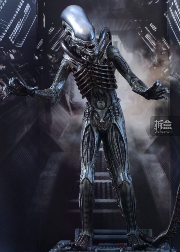 ht-big-chap-alien-bernd-26