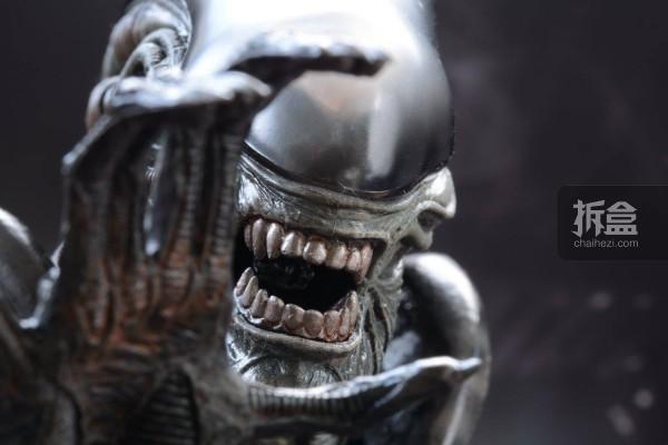 ht-big-chap-alien-bernd-3