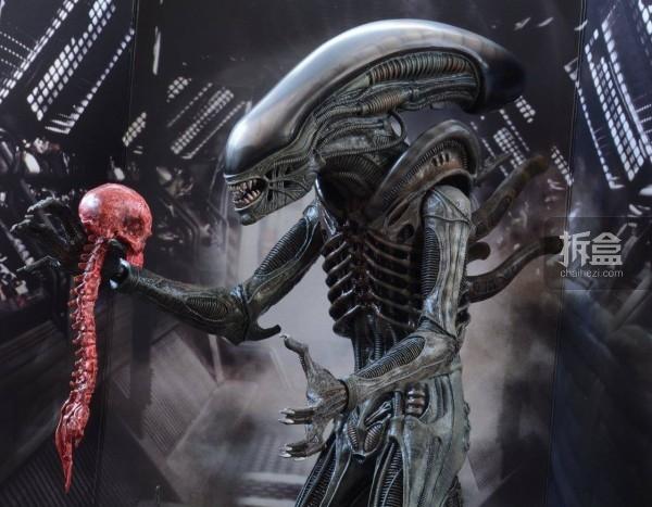 ht-big-chap-alien-bernd-5