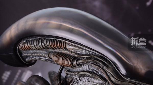 ht-big-chap-alien-bernd-7