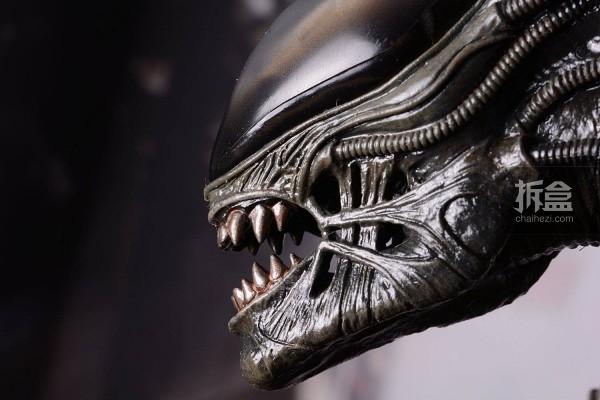 ht-big-chap-alien-bernd-8