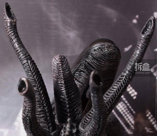 ht-grid-alien-bernd-28