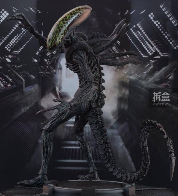 ht-grid-alien-bernd-30