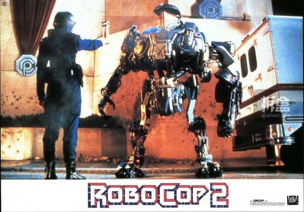 《机器战警2》