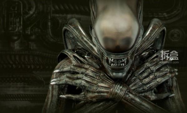 sideshow-alien-desgin-detail
