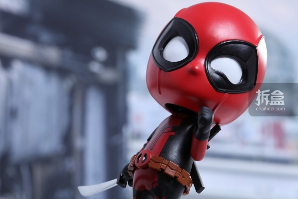 hottoys-cosbaby-deadpool-preview-004