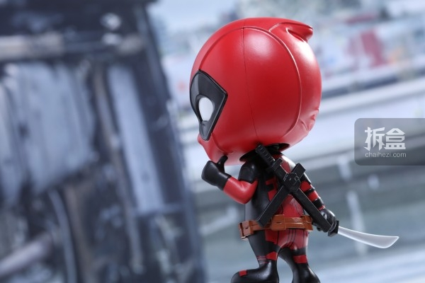 hottoys-cosbaby-deadpool-preview-005