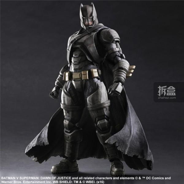 Play Arts改《蝙蝠侠大战超人:正义黎明》重装蝙蝠侠