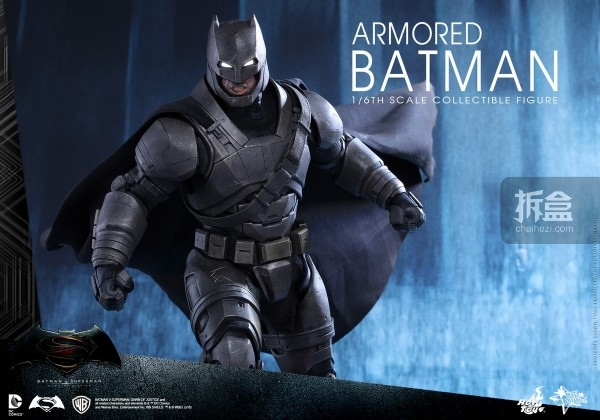 HotToys《蝙蝠侠大战超人》重甲版蝙蝠侠/Armored Batman 1/6可动人偶