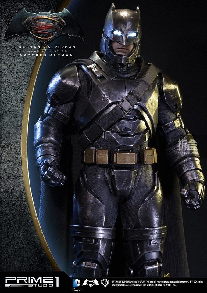 P1S-bvs-armorbatman-statue-3
