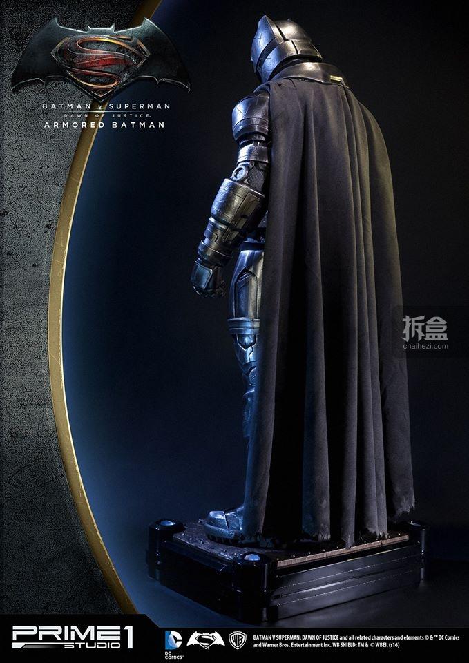 P1S-bvs-armorbatman-statue-8