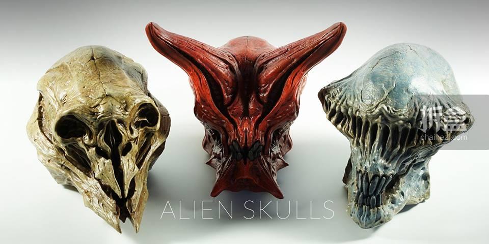 外星人头骨Alien Skull三款:斯巴达(Spartan)/守卫者(Guardian)/圣骑士(Templar),高17cm左右,每个售价11,800日元,包含底座