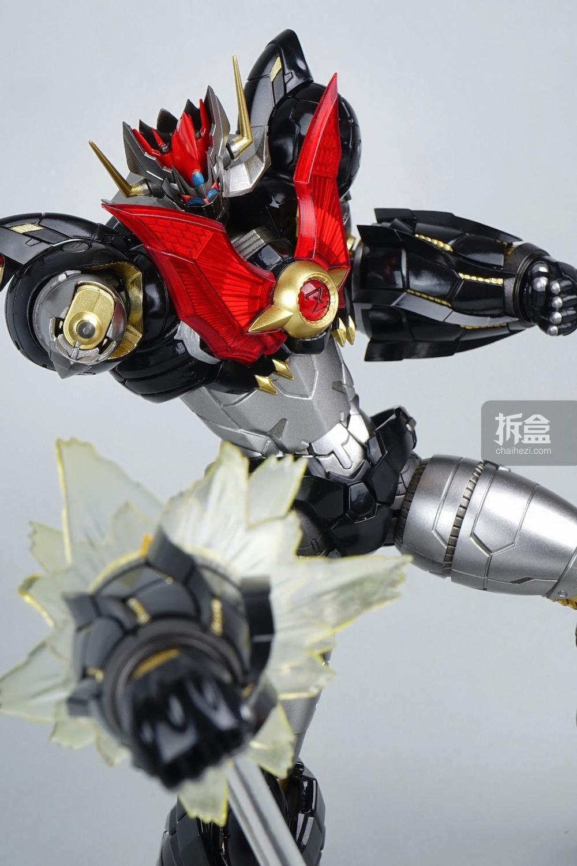 ↑姿势展示图 涡轮增压粉碎飞拳!我最喜欢得一招,飞拳头什么的太厉害了,简直就是BUG!