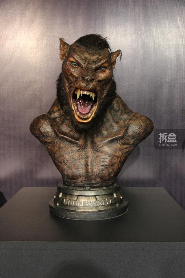 黑夜传说,Lycan 狼人胸像收藏,真人植发技术,仿铜地台的主题源自黑夜传说一辑的结尾,精巧细致的涂装细节忠实的还原电影!