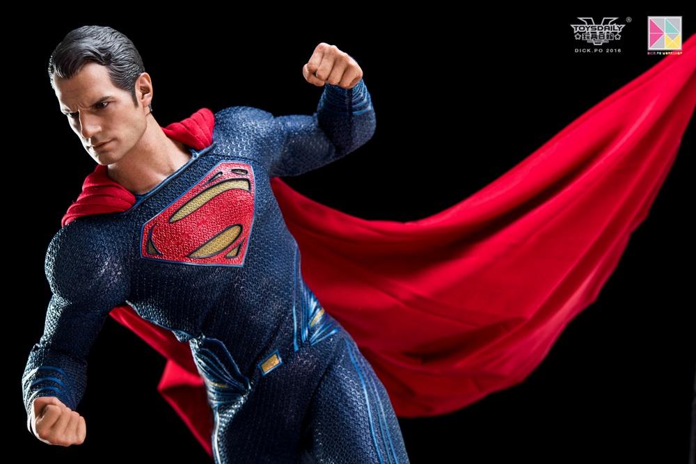 Hottoys-SUPERMAN (17)