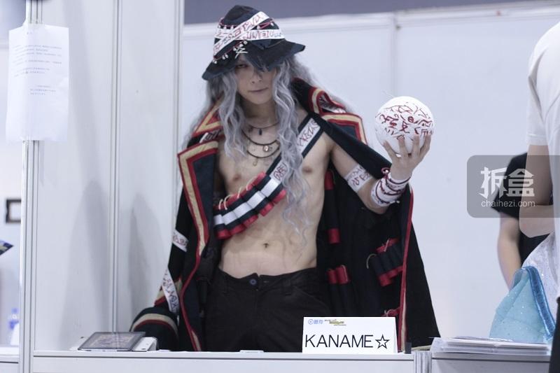 """纳尼!KANAME的""""麒麟臂""""在蠢蠢欲动中?不要吃醋呀~虫娘也是爱你的!!话说小伙伴们有木有拿到KANAME&五木Akira&黑猫的签名?虫娘才不会告诉你们所有大大们的签售虫娘都有呢!!"""