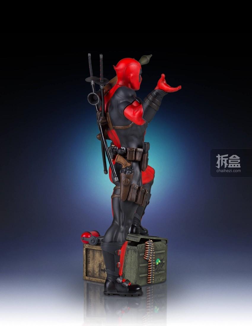 gentle-giant-deadpool-statue (3)