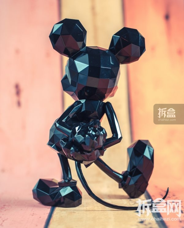 sentinel-polygo-mickey-out-13
