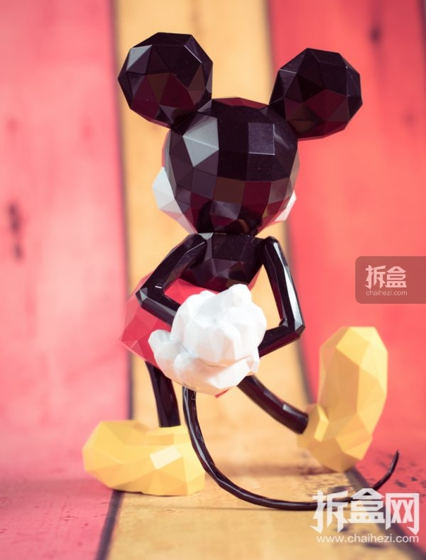 sentinel-polygo-mickey-out-18