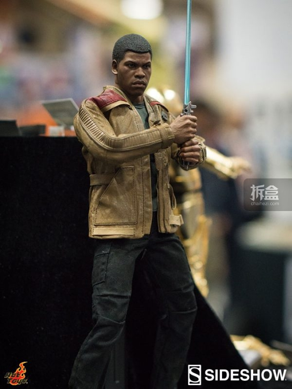 hottoys-sdcc-2016-starwars-36