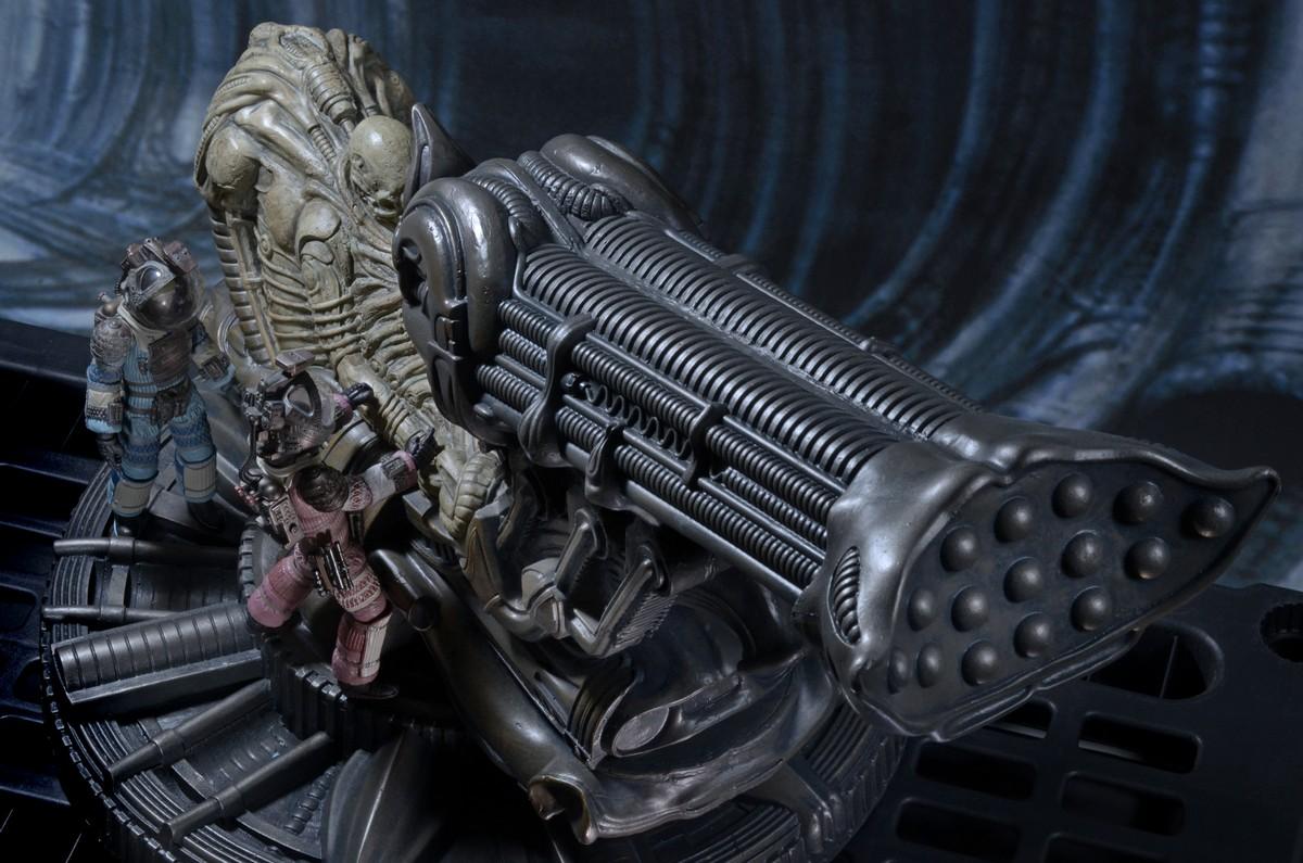 NECA-Alien-Space (1)