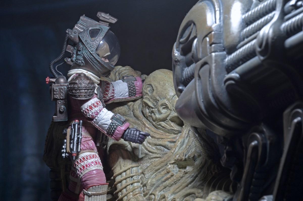 NECA-Alien-Space (5)