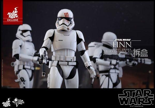 ht-disneyex-finn-stormtrooper-6