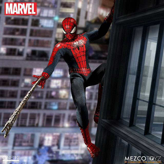mezco-marvel-spider-man-4