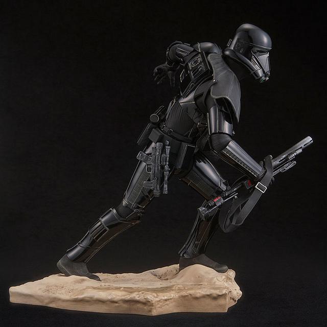 kotobukiya-deathtrooper-8